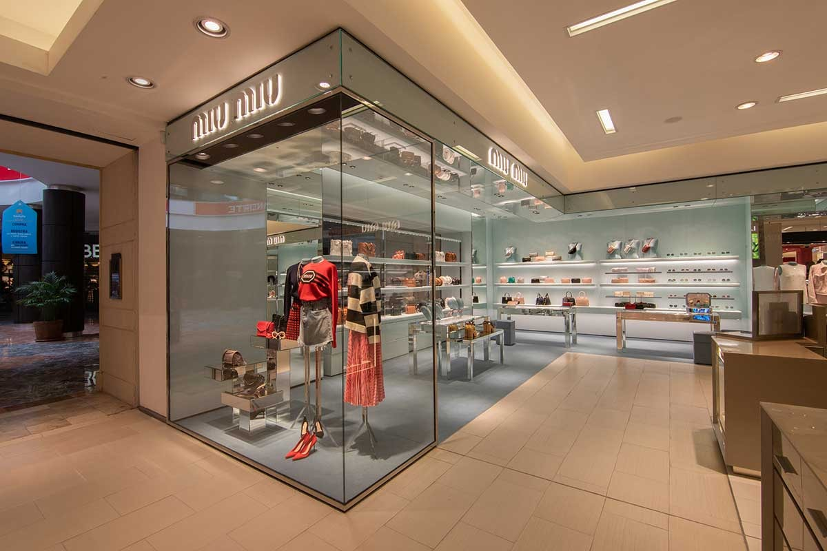 El espacio de Miu Miu en Saks Fifth Avenue se transforma